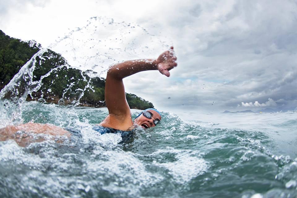 Nadadora durante o evento - Foto: Reprodução do site do evento