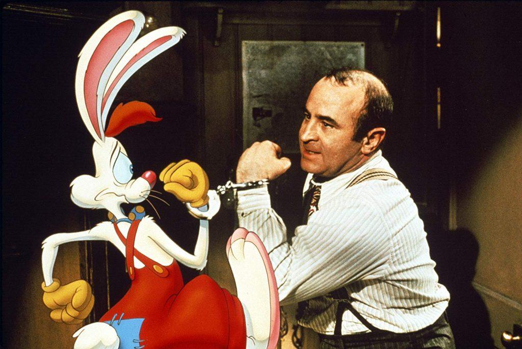 Uma Cilada Para Roger Rabbit chegou aos cinemas em junho de 1988 e deixou  queixos no chão. Produzida por Steven Spielberg e dirigida por Robert  Zemeckis 0fc7a612aec