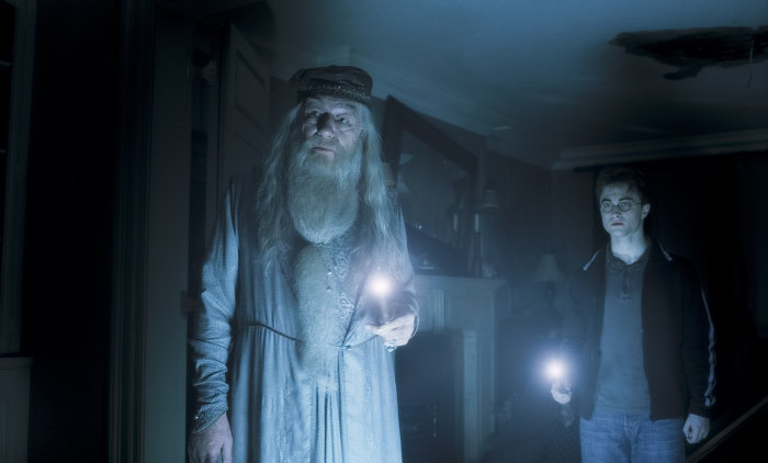HP6-VFX-00014 MICHAEL GAMBON as Professor Albus Dumbledore and DANIEL RADCLIFFE as Harry Potter in Warner Bros. PicturesÕ fantasy adventure ÒHarry Potter and the Half-Blood Prince.