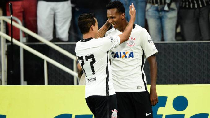 O clássico paulista ocorre no sábado à noite e põe à prova o Corinthians  econômico – e eficiente – de Carille. O clássico carioca será no domingo de  manhã fd346e11a1f2d