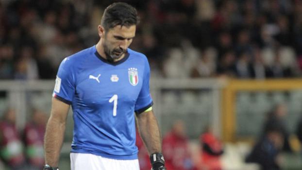 A Itália já vem há muitos anos alternando boas e horrorosas competições. Em  Copas do Mundo c29d79ef935ee