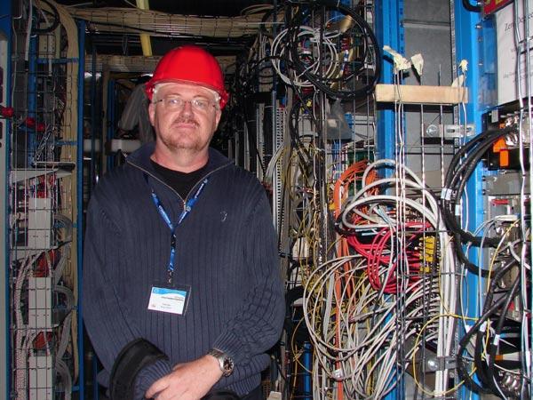 CERN_LHC_Caverna_CMS