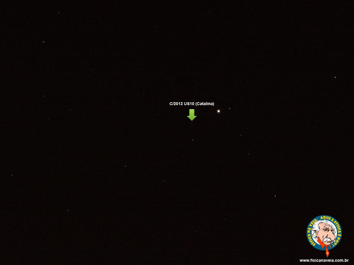 Zoom na constelação do Boieiro. O cometa parece ser aquele pontinho destacado pela seta verde.