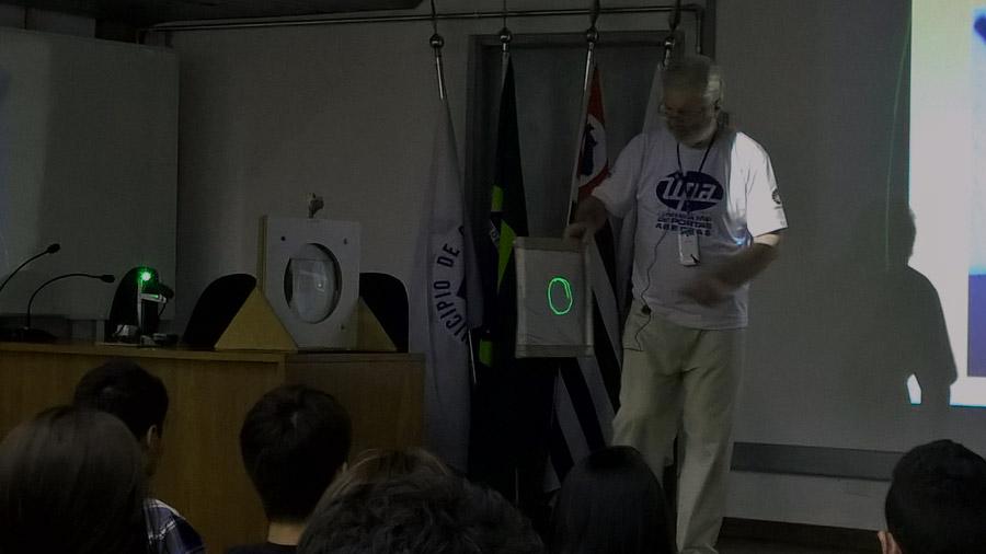UPA2016_palestra_lua-nao-tem-massa