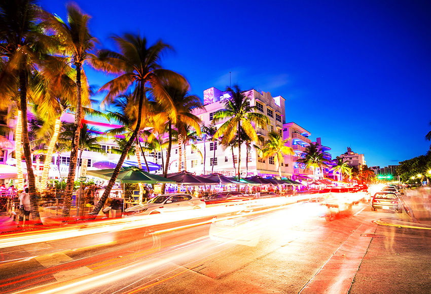 South Beach night life at Ocean Drive, Miami, USA