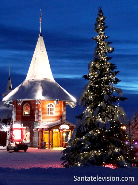 picture_christmas_house_rovaniemi_finland