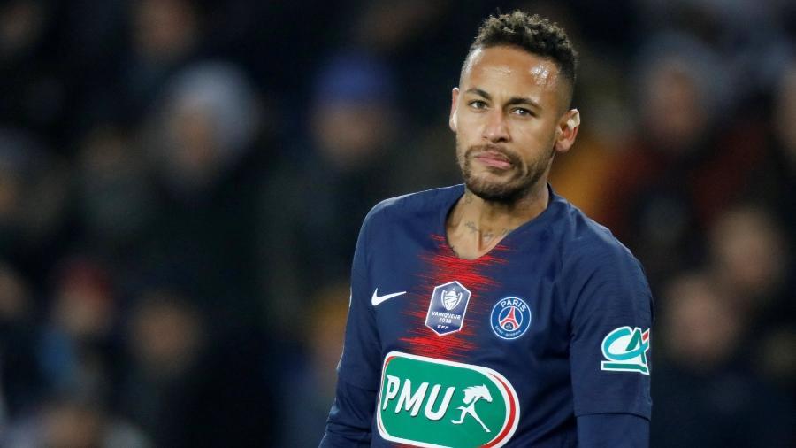 Neymar, durante partida pelo PSG; jogador está afastado por lesão - false