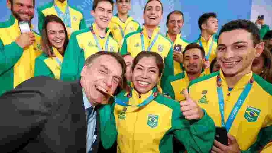 Bolsonaro com atletas -