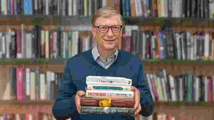 Bill Gates é um leitor voraz: lê em média 150 páginas por hora, ou 14 livrosdurante suas férias -