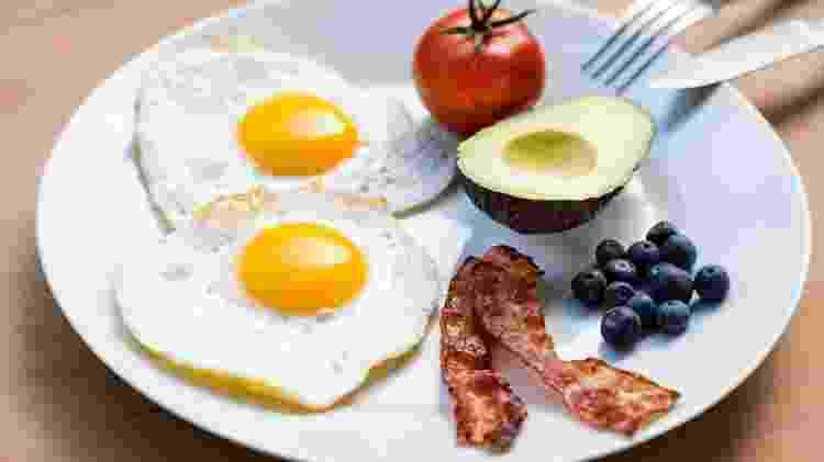 A dieta cetogênica, que prioriza gorduras, pode provocar deficiência nutricional, fragilizando ainda mais o indivíduo com câncer - iStock - iStock