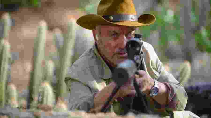 """O ator alemão Udo Kier em cena de """"Bacurau"""" -"""