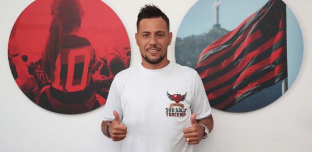O goleiro Diego Alves passa a ser o titular absoluto do Flamengo a partir de agora