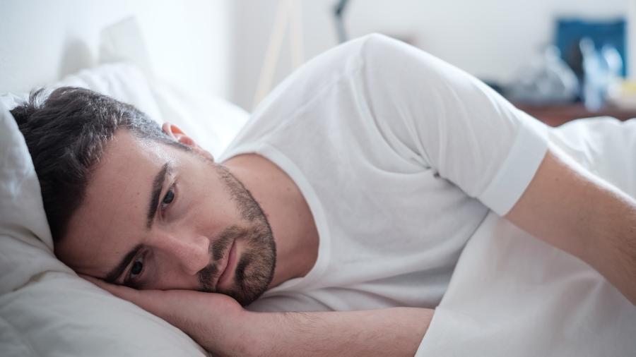 Ele dorme e acorda pensando em transar? - false