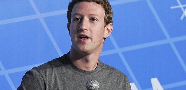 Zuckerberg está pressionado após escândalo de roubo de dados - false
