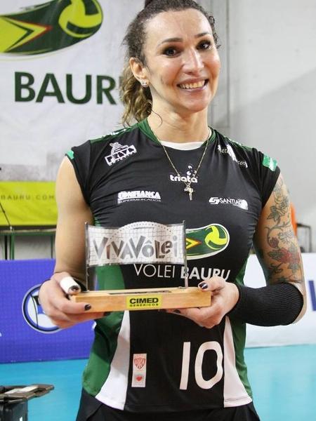 Tifanny Abreu tem se destacado na Superliga feminina de vôlei, jogando pelo Bauru  -