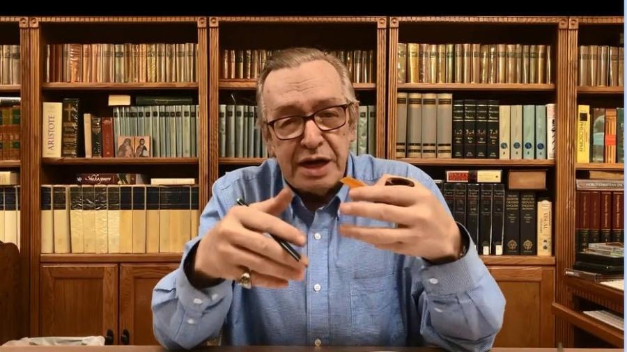 O guru bolsonarista Olavo de Carvalho vem travando discussões com o líder evangélico Silas Malafaia nas redes sociais - Reprodução