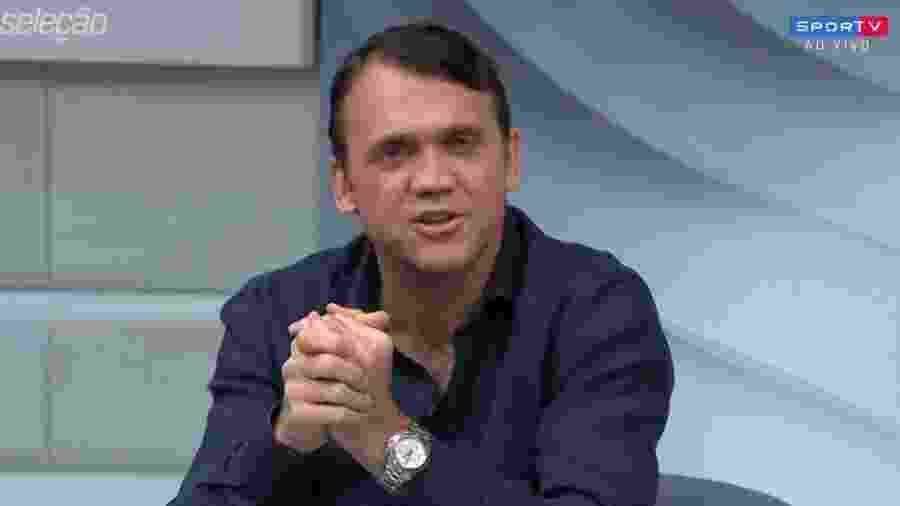 Petkovic e Roger Flores tiveram divertido debate sobre pênalti no jogo entre Bahia e Grêmio -