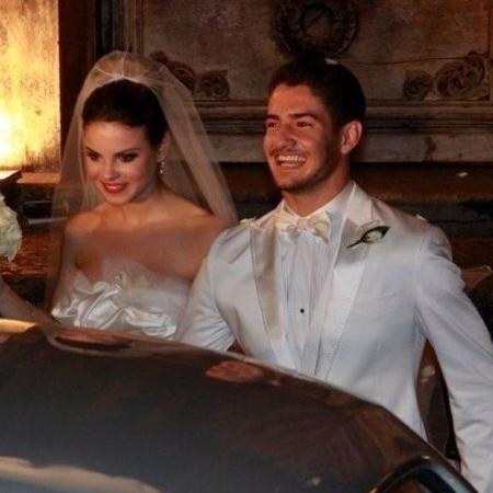 Sthefany Brito em seu casamento com Alexandre Pato em 2009 - Reprodução
