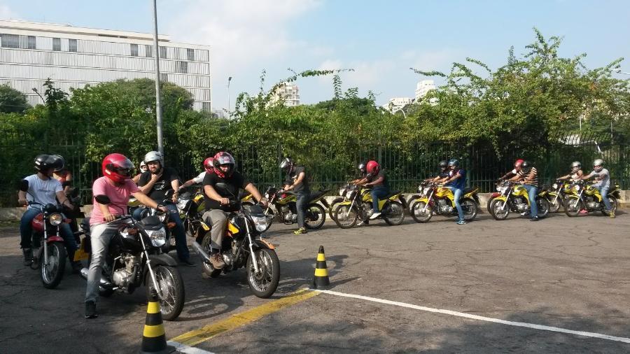 Atualmente, exame de habilitação para motos é tão simples que poderia ser feito até por um urso de circo - Reprodução