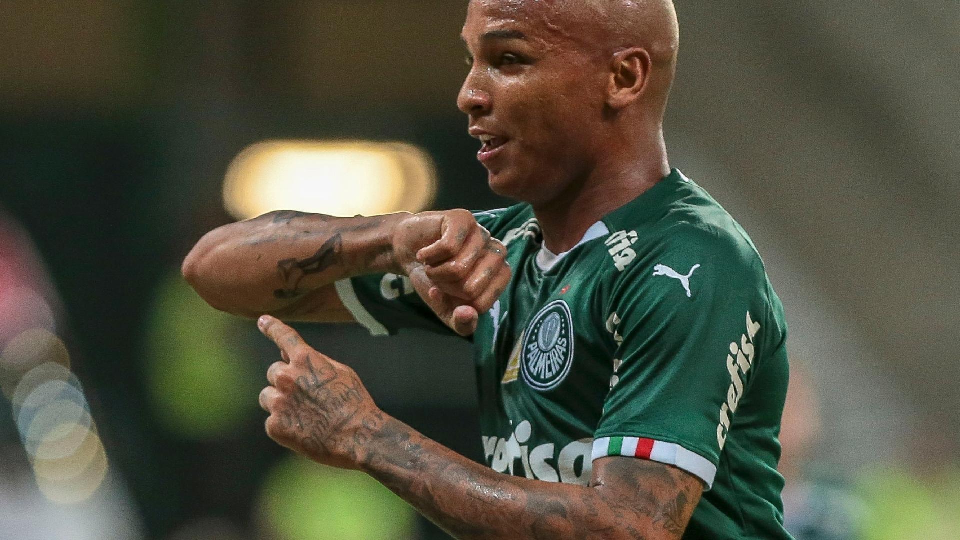 268727b57a Palmeiras  Deyverson pede desculpas até ao presidente e diz que não é hora  de sair