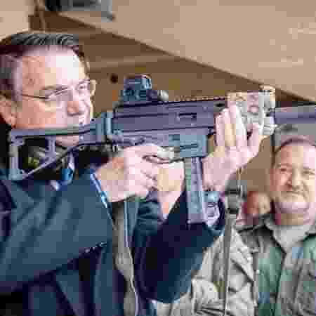 """Presidente se declara um """"armamentista"""" -"""