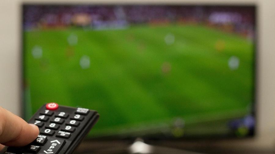 Cada vez mais o telespectador não só vê TV, mas também comenta o que vê nas redes sociais -