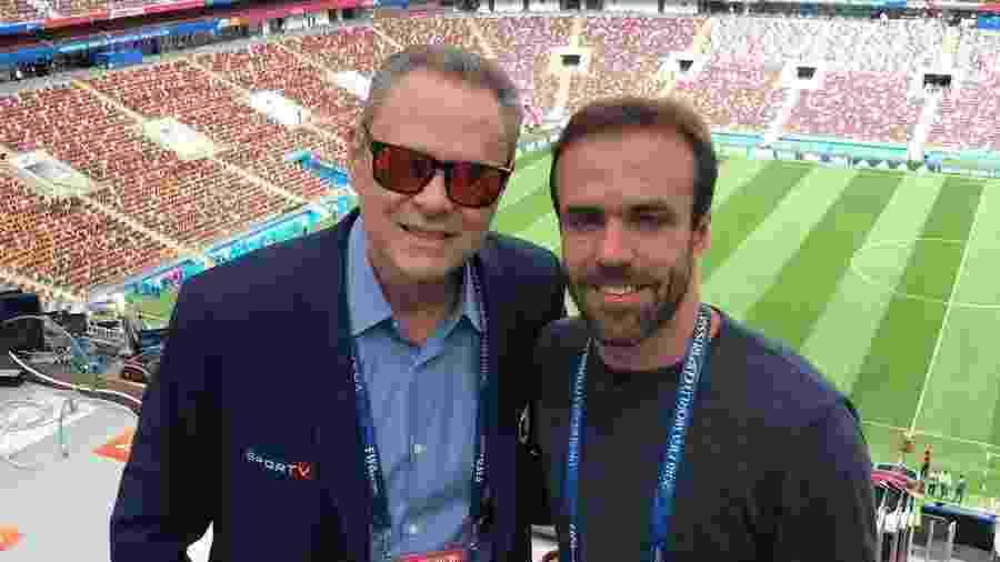 Luís Roberto e Roger são obrigados a fazer comentários sobre novelas durante a transmissão de jogos da Copa -