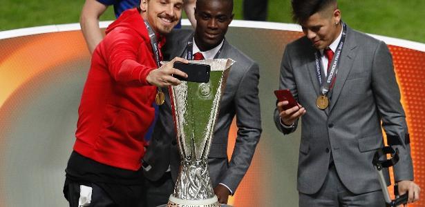 Ibrahimovic foi eleito um dos melhores da Liga Europa