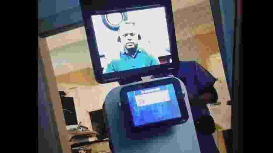 """Médico deu diagnóstico por meio de tela de vídeo instalada em um """"robô"""" -"""