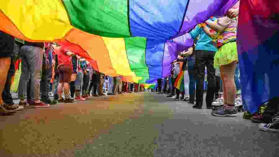 LGBTs podem ter mais riscos com sua saúde - false