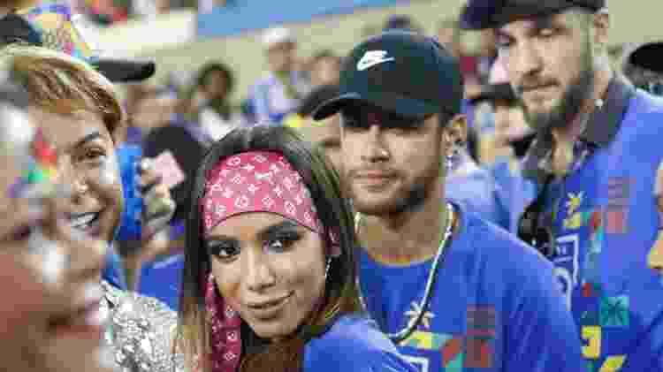 neymar-e-anitta-assistem-aos-desfiles-na-sapucai-1551757080855_v2_1600x1067 - Reproduçao - Reproduçao