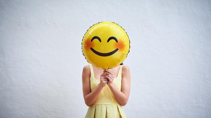 Ver uma pessoa sorrindo ou um emoji de sorriso aciona as mesmas regiões do cérebro - iStock