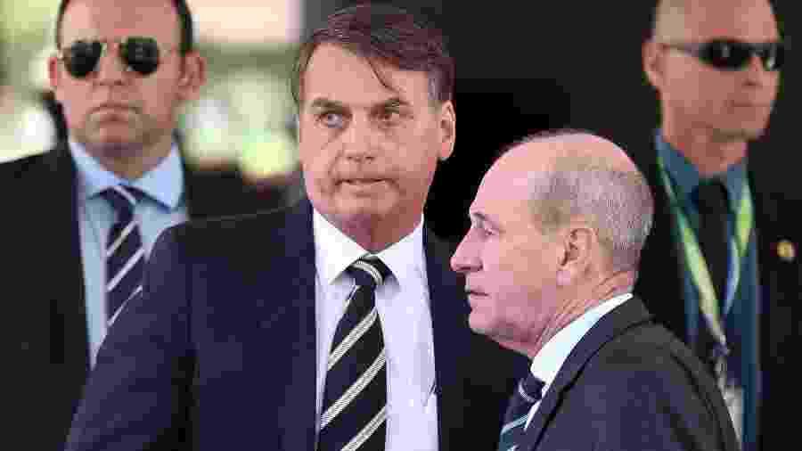 Bolsonaro e ministro da Defesa, Fernando Azevedo - foto Pedro Ladeira Folhapress -