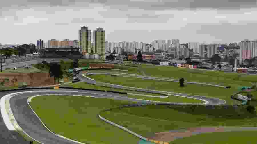 vista-de-parte-do-autodromo-de-interlagos-zona-sul-de-sao-paulo-em-16-de-novembro-de-2012-1414707533520_1024x768 -