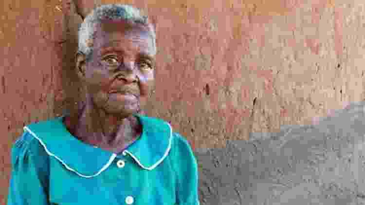 A mãe de Byson Kaula, Lucy, diz ter chorado ao saber que o filho havia sido condenado à morte - BBC - BBC