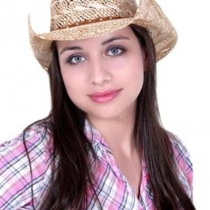 Eliérica Augusta de Lima, 18, morta a facadas pelo ex-namorado, em Abatiá, no interior do PR