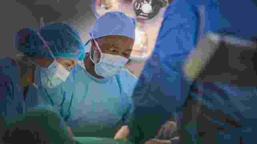Mulher foi levada a hospital de Barcelona após seis horas em parada cardíaca - HRAUN/iStock