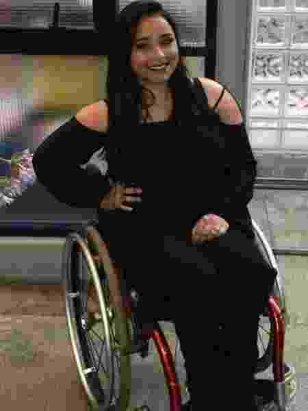 Thayane ficou paraplégica com os tiros que levou no ataque e teve que aprender a conviver com o preconceito e as dificuldades de ser cadeirante - Arquivo pessoal - Arquivo pessoal