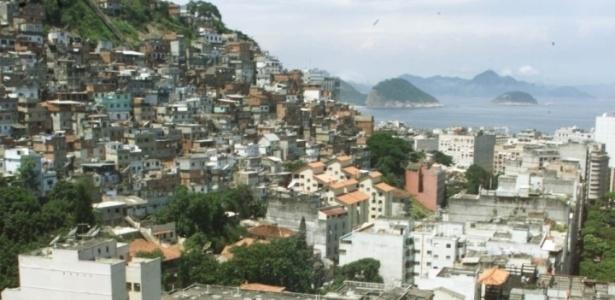 Morro do Cantagalo, no Rio de Janeiro, fica localizado entre a Lagoa Rodrigo de Freitas e Copacabana, na zona sul da cidade