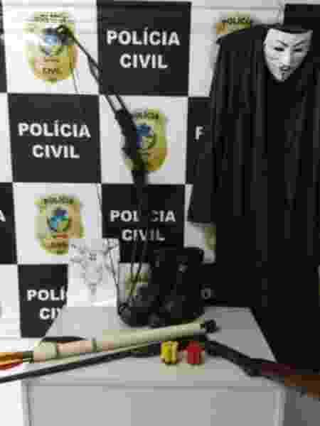 Objetos apreendidos na casa do adolescente de 17 anos - Divulgação/Polícia Civil de Goiás - Divulgação/Polícia Civil de Goiás