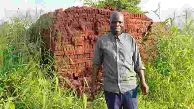 Seu próximo projeto é construir uma casa de tijolos para a mãe - BBC - BBC