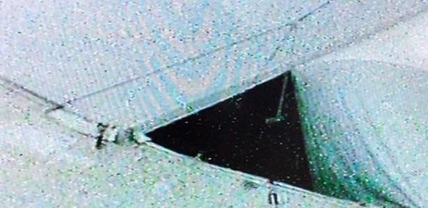 Chuva forte estraga a cobertura da Arena Fonte Nova, na Bahia