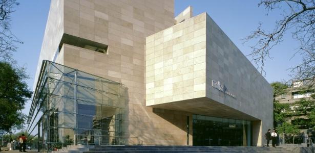 De arquitetura moderna na fachada, o MALBA exibe em Buenos Aires obras de artistas renomados - Reprodução