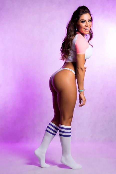 8.mar.2014 - Thammy Miranda divulgou neste sábado, 8, fotos do ensaio sensual da namorada Andressa Ferreira. As fotos foram feitas para comemorar o aniversário de três meses de namoro. Andressa é assistente de palco do programa Legendários