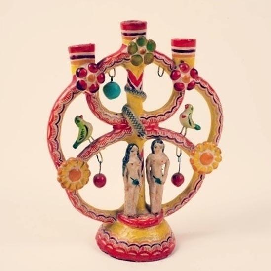 7.out.2014 - Muitos objetos que se encontram na exposição podem ser encontrados em galerias, mercados e até são vendidos fora de estações de metrô na Cidade do México