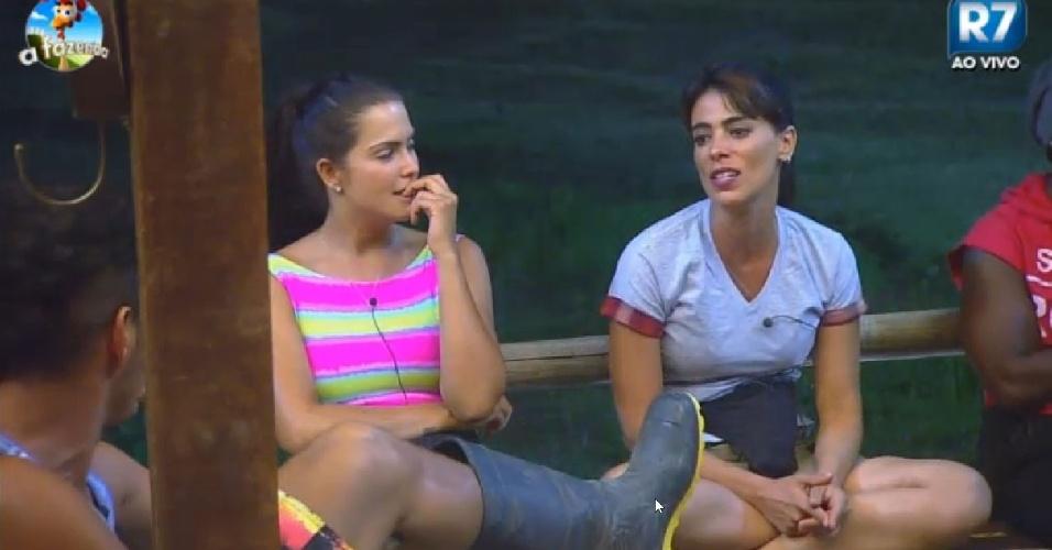 """Em """"A Fazenda 7"""", Heloisa Faissol conta para os colegas como conseguiu beijar Chico Buarque"""