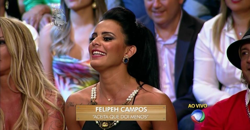 10.dez.2014 - Frase de Lorena ganha da pérola de Felipeh Campos e fatura um celular