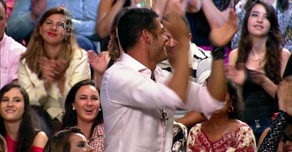"""10.dez.2014 - Marlos Cruz é eleito pelo público o maior galã de """"A Fazenda 7"""""""