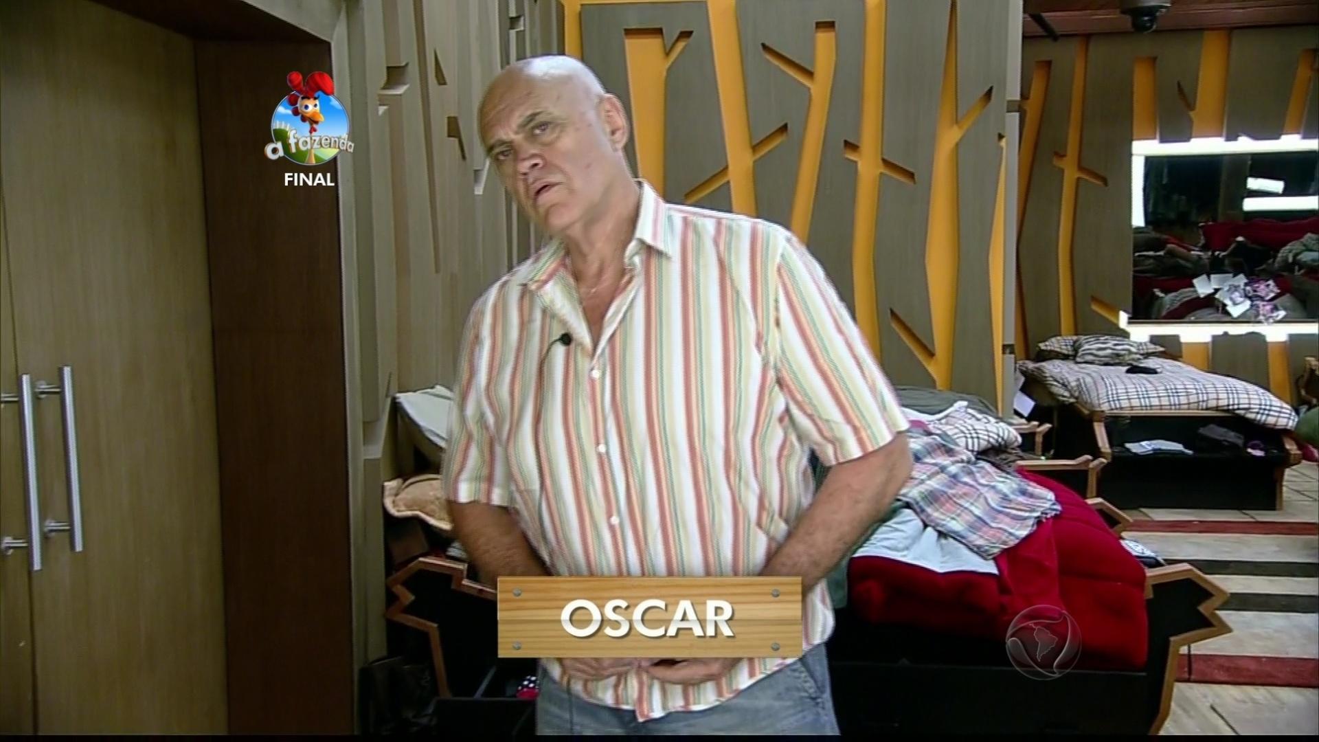 10.dez.2014 - Oscar Maroni é candidato ao posto de maior galã da Fazenda