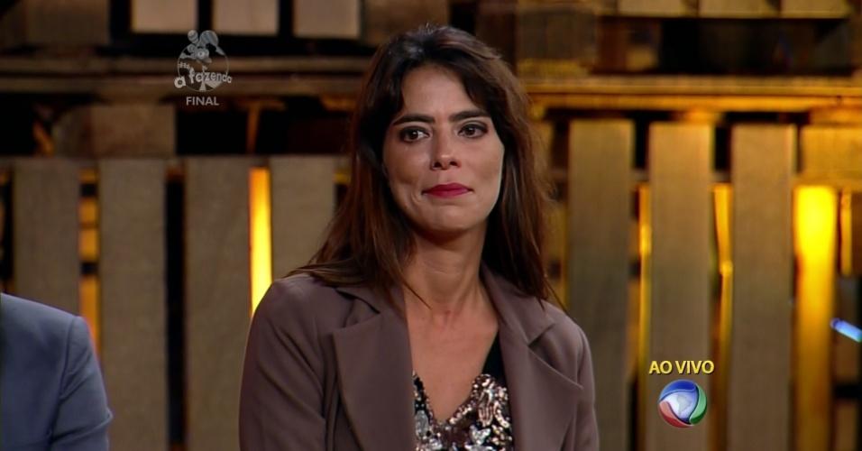 """10.dez.2014 - Heloísa Faissol fica com o terceiro lugar em """"A Fazenda 7"""""""